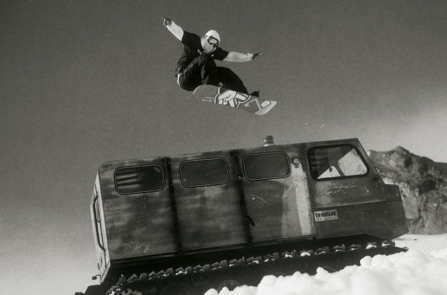 jussi-oksanen-classic-snowboard-photo-dean-blotto-gray-snowboarding-for-slider-970x640