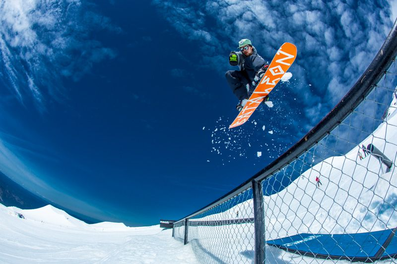 A Guide To Proper Summer Snowboarding   100% chance of a sunburn + good times