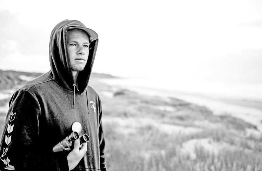 John John Florence, The Introverted Messiah, Struggles w/ the Vicious Circle of Sports Stardom | The highest paid + least accessible surfer